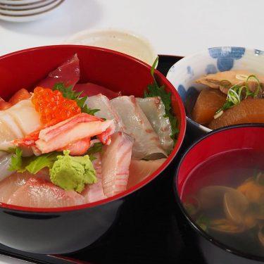 【保田鮮魚店】連日完売の人気丼!昔ながらの魚屋さんが提供する海鮮丼がテイクアウトでも!