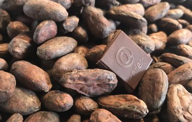 【alfer】カカオ豆からチョコレートまでを一貫して丁寧に作っていく、こだわりの板チョコ専門店。
